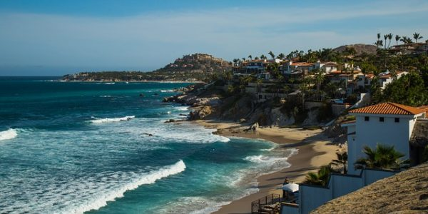 Is cabo san lucas safe beach side